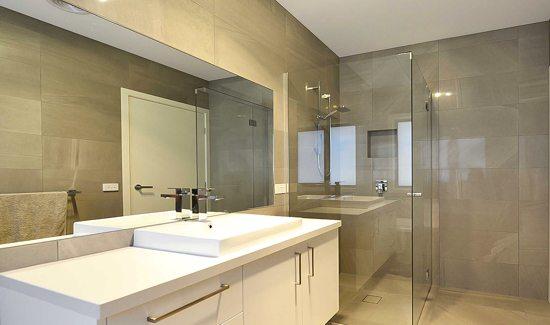 Bathroom 1 - Mirrored Splashbacks