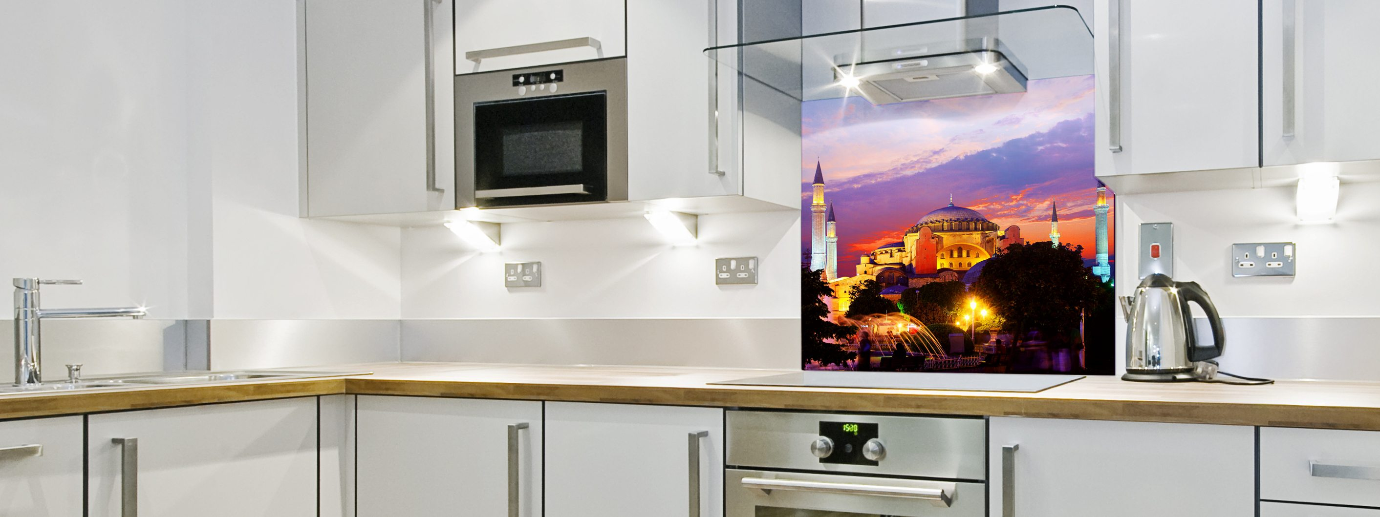 UK Coloured Glass Splashbacks: Bespoke, Online, Affordable!